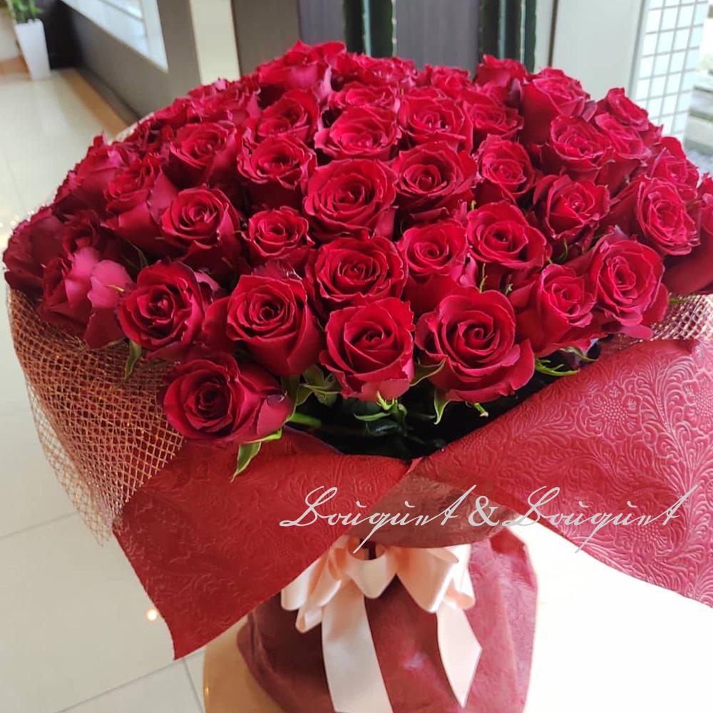 ホテルミラコスタへプロポーズに108本の赤バラの花束をお届け |花言葉は『永遠(トハニ)』
