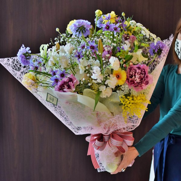 季節のお花でプロポーズの花束|海浜幕張店