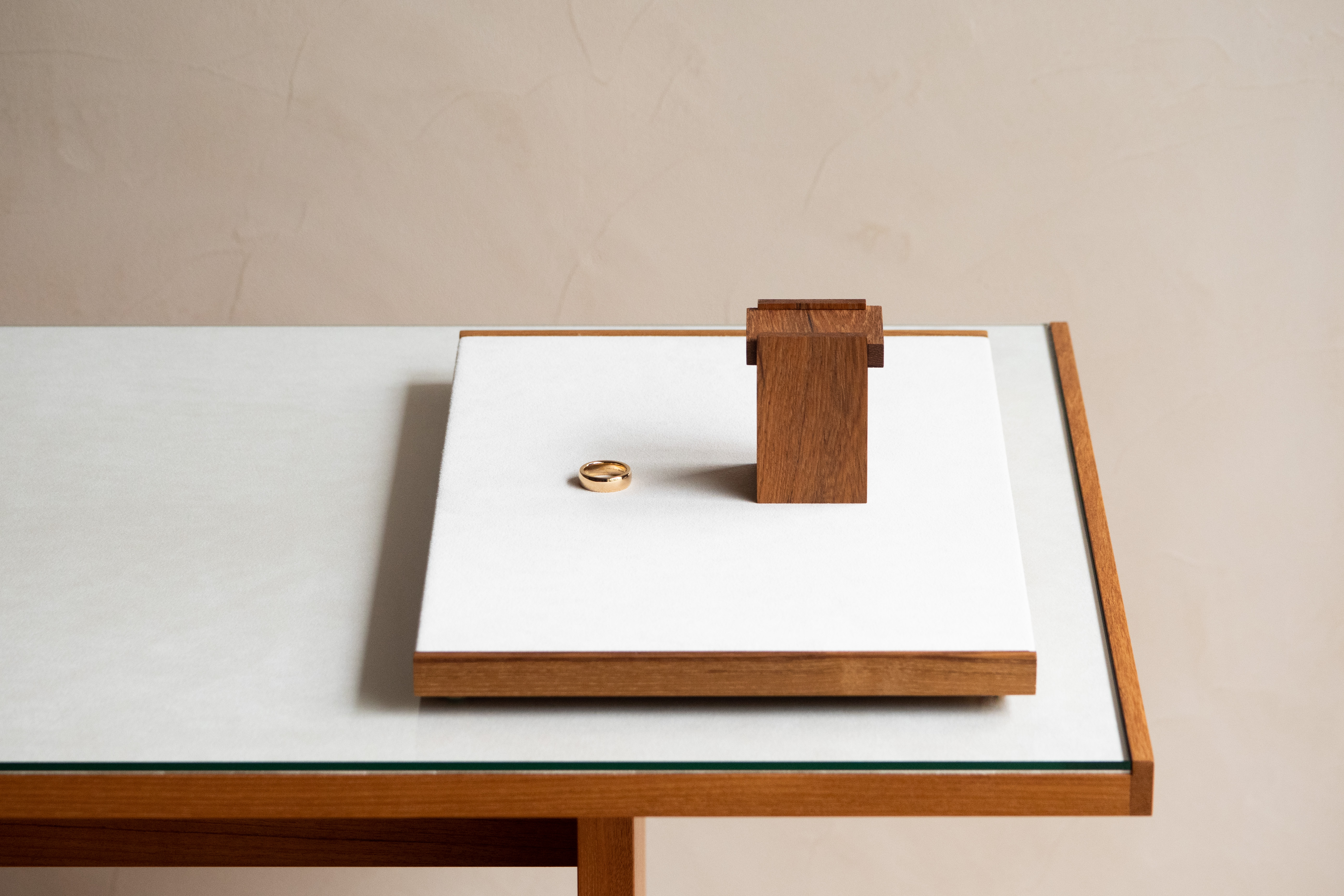 オリジナルリングの箱と刻印