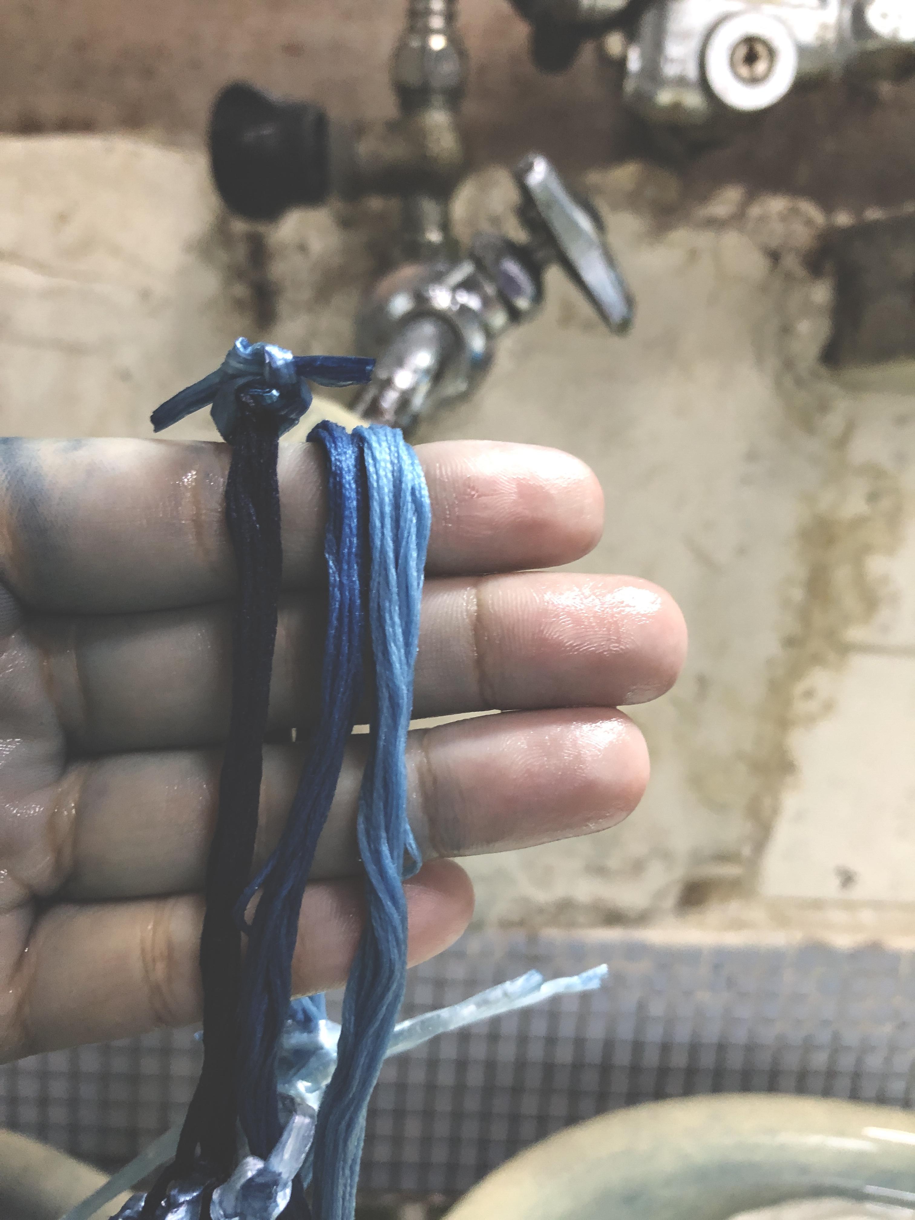 刺繍糸の藍染