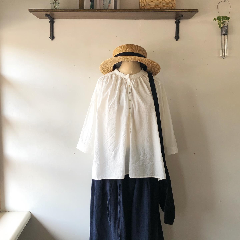 新作のお洋服が届きました