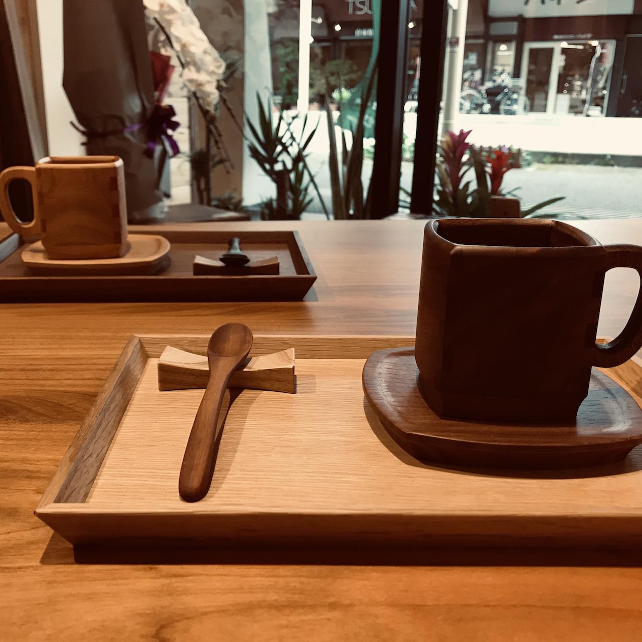 木のコーヒーカップ&ソーサーが入荷しました