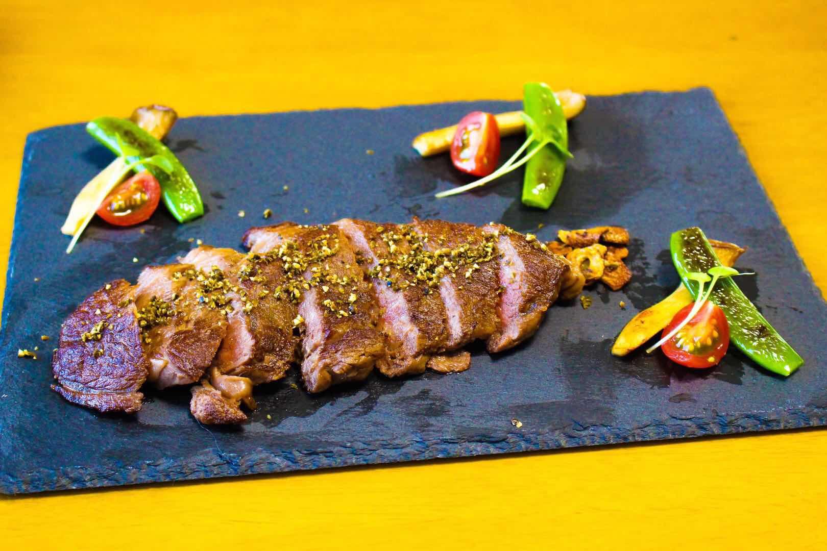 ステーキと塩漬け胡椒 カンポットペッパー