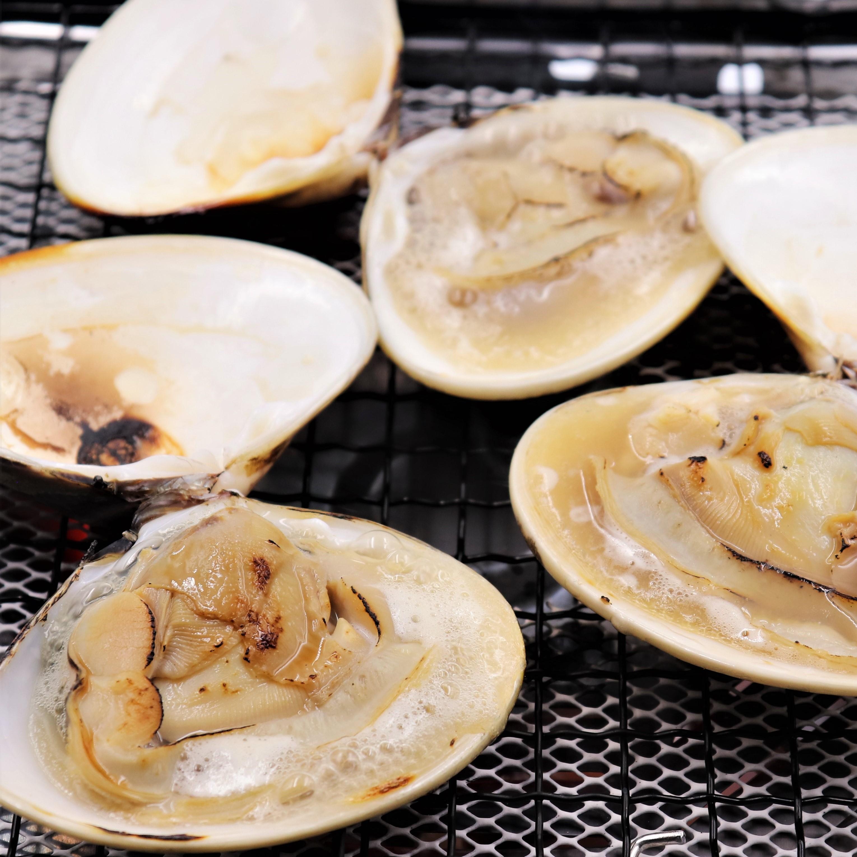 貝汁たっぷりの焼きはまぐりが堪能できます。