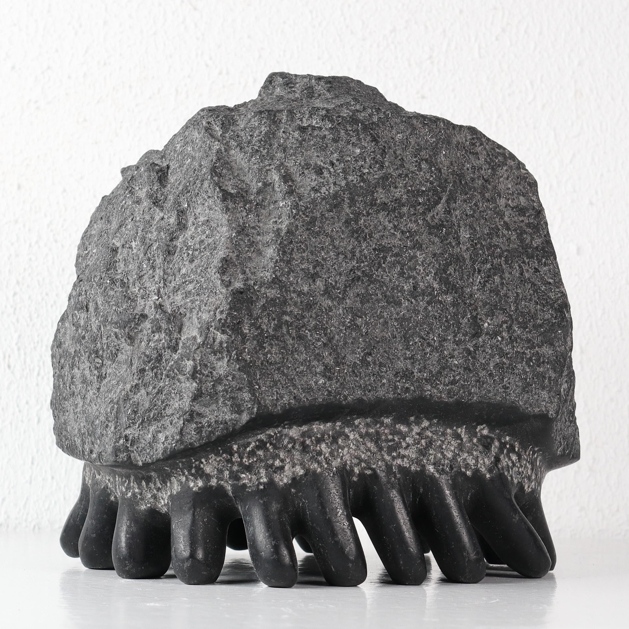 田中毅石彫展、土日営業しております。