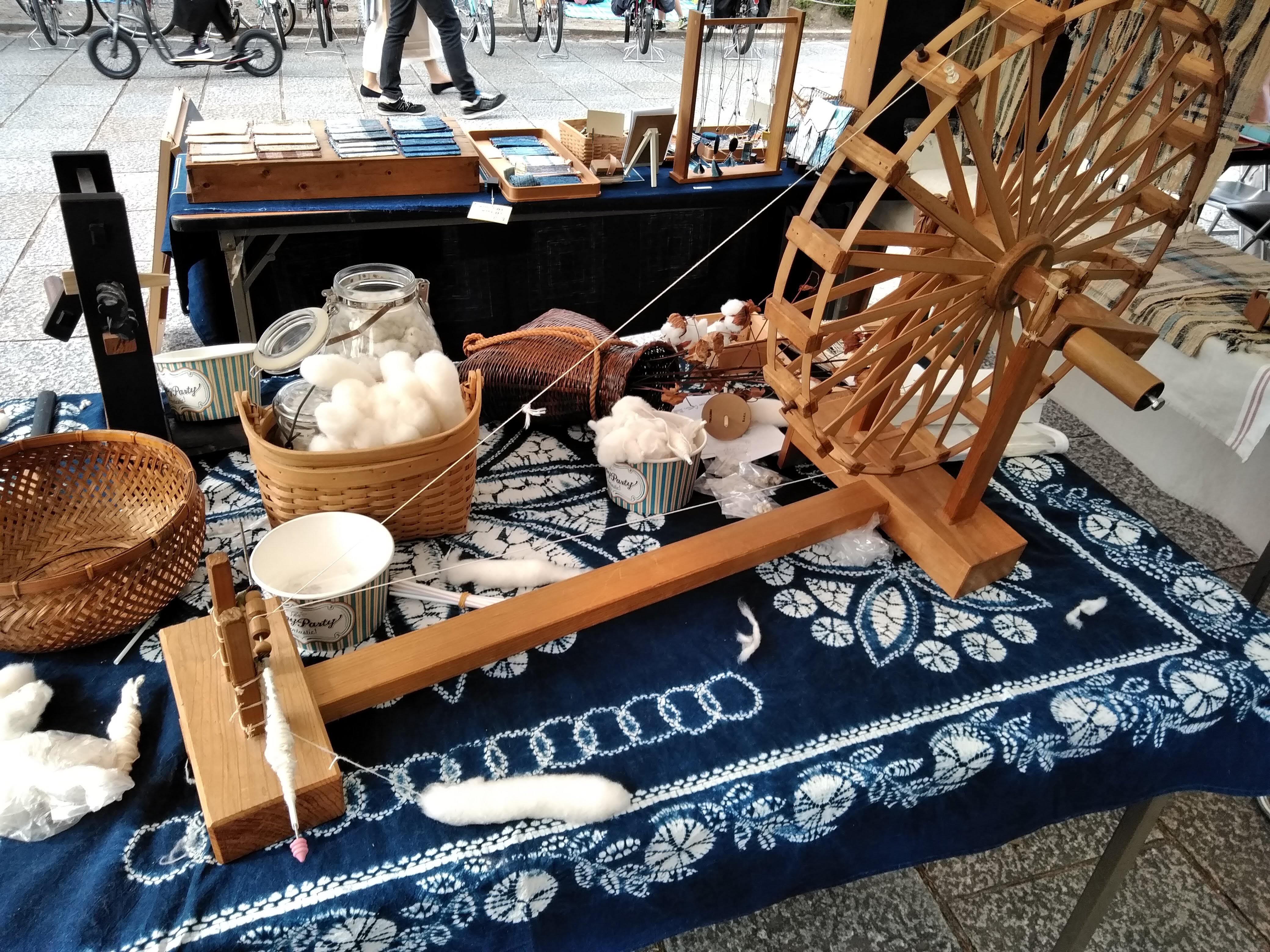 ゴールデンウイーク明けの棉仕事。棉の種をまく季節です。