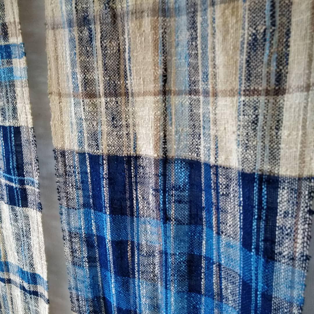 ハンサムなスタイルの手織布アイテム。プレゼントとしても。