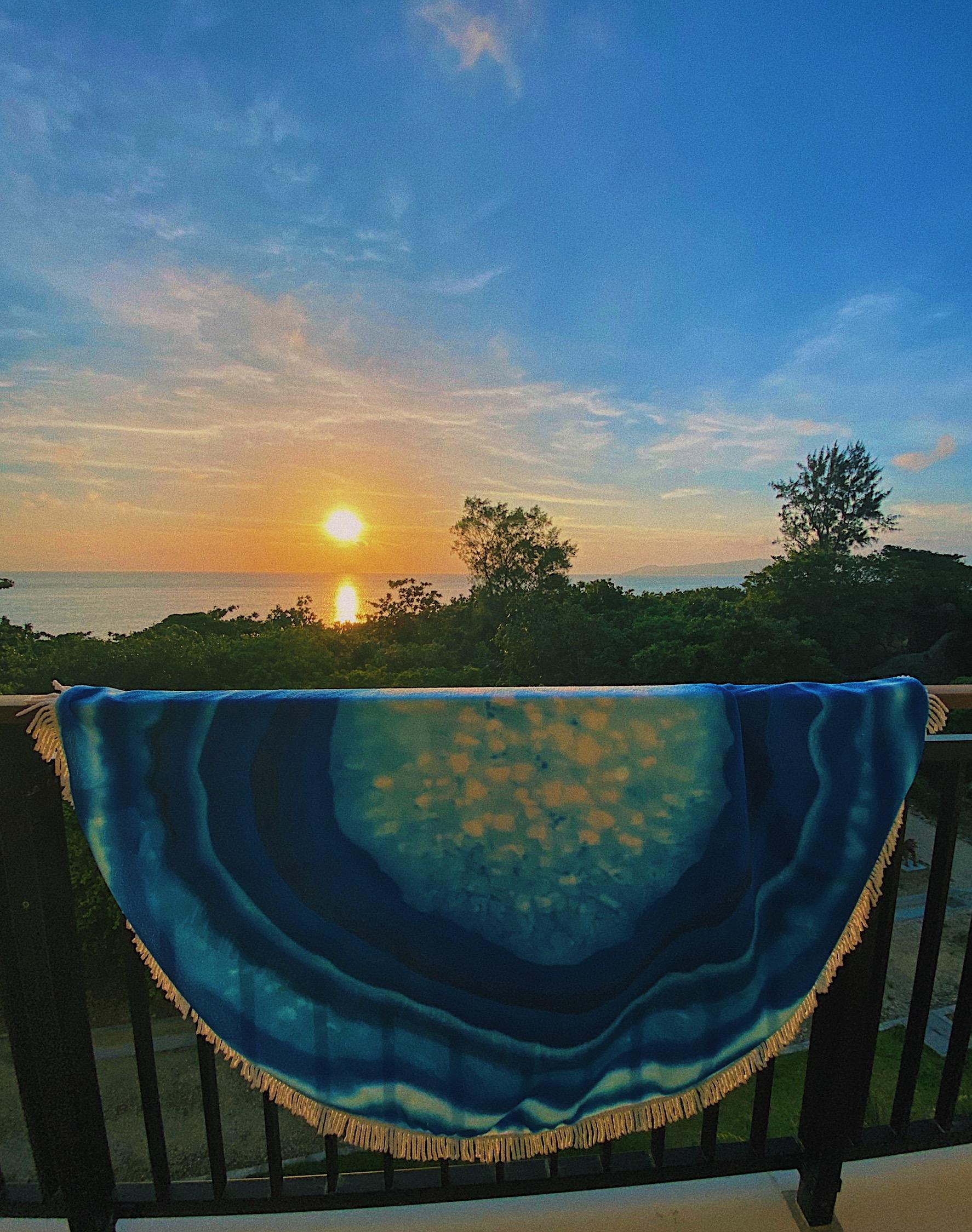 Agate round beach towel