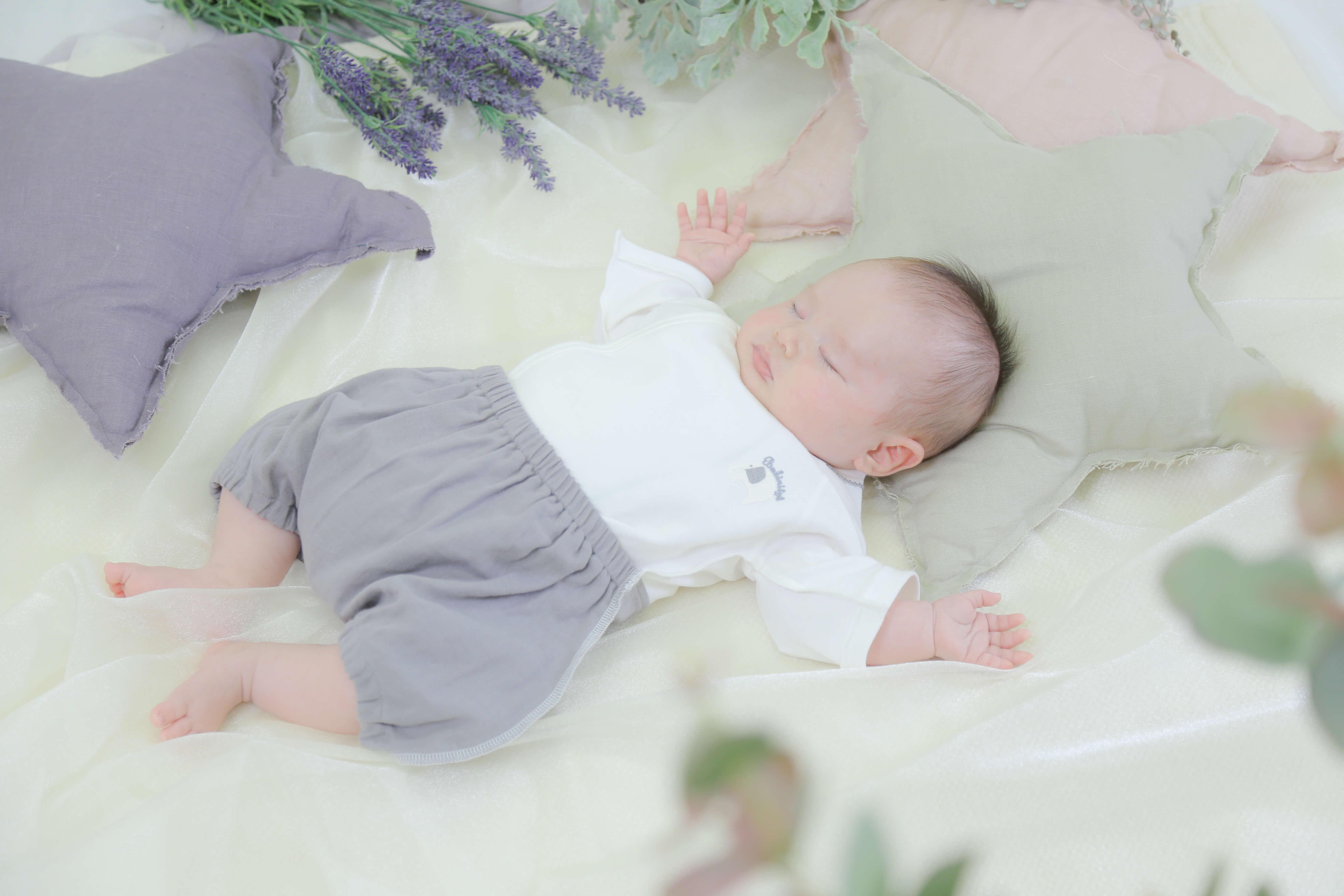 生まれたばかりの赤ちゃんの育児