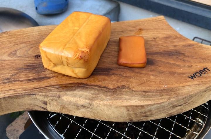 栗の木のカッティングボード×燻製チーズ