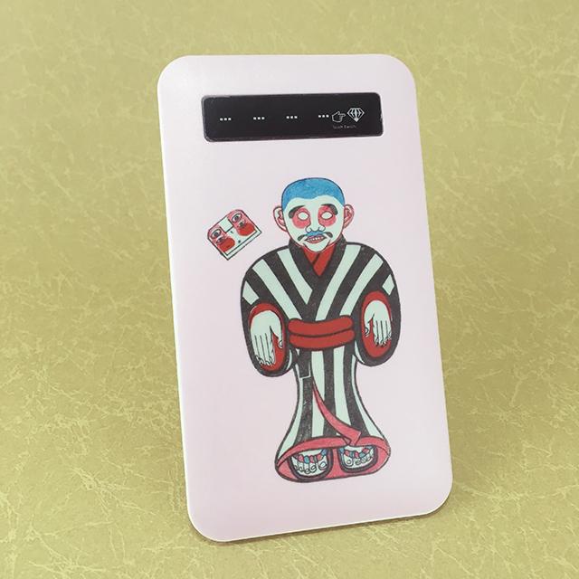 キモカワ!?不気味さがクセになる!不思議な魅力の浮世絵デザインのモバイルバッテリー