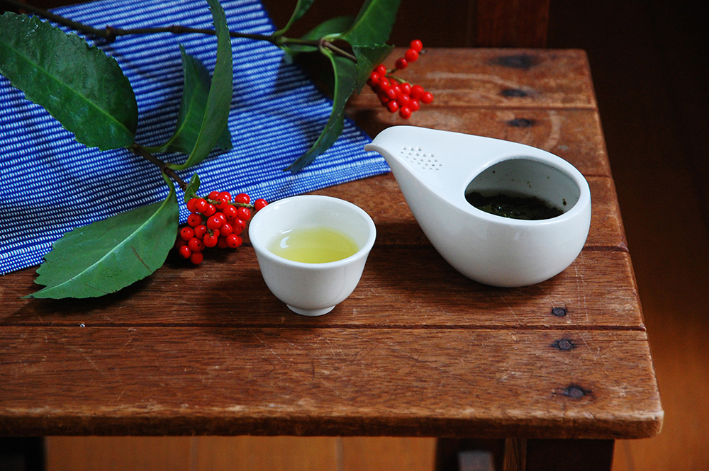 ひとしずく-時の流れを味わう茶器-