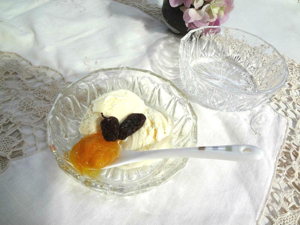 いつものアイスクリームが美味しくなる!使える!ヴィンテージ・カット・ガラス皿はいかがでしょうか?