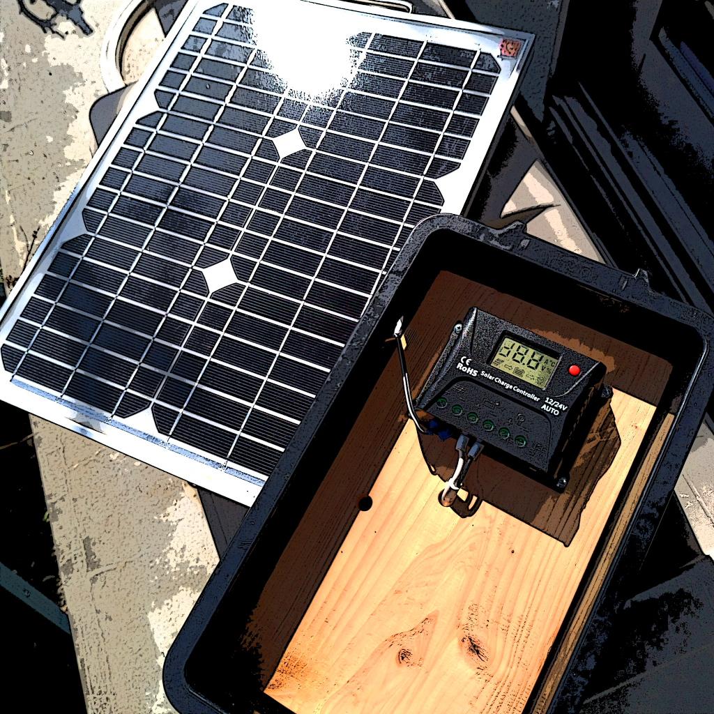 持ち運びが楽々な小さなソーラー発電機の検討しています。