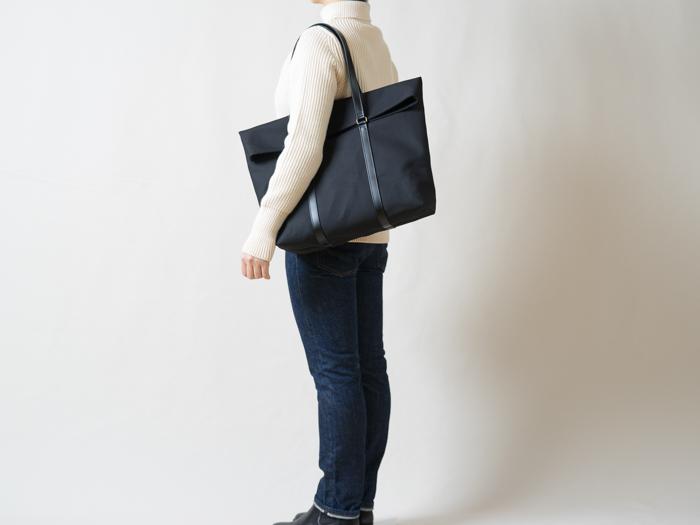 [新色]革と帆布のトートバッグ ブラック