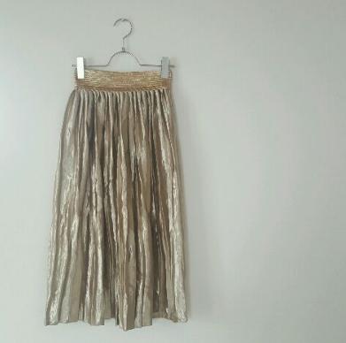 雨の日はベルベット素材のスカートで楽にオシャレに秋先取り♡