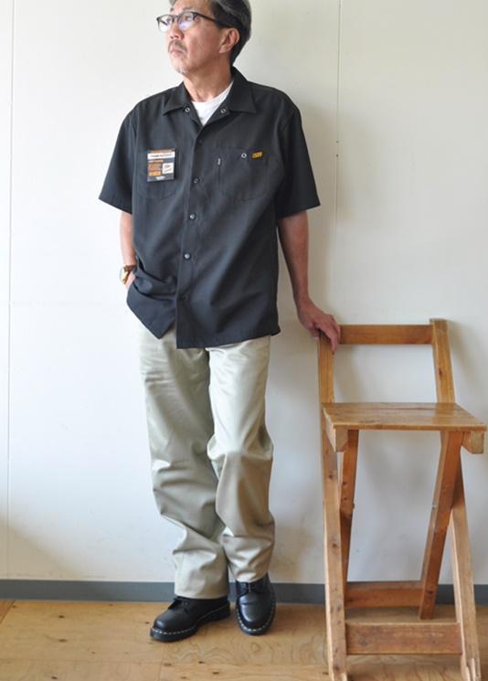 7月16日今日のコーディネート ブラックのシャツにビンテージチノパンツを合わせてワークスタイル