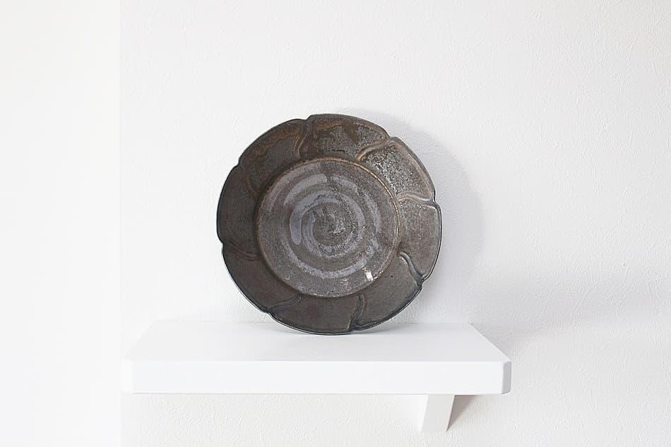 重厚感ある個性的な器 陶芸作家【西 隆行 】さびリム皿8方割