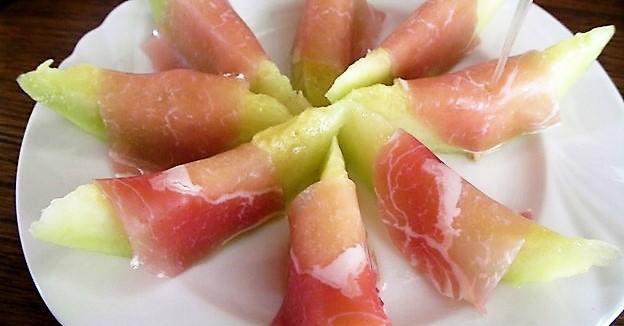 生ハムメロンの美味しさに目覚めたら本当の食通かも!?プロシュートとフルーツの素敵な出会い