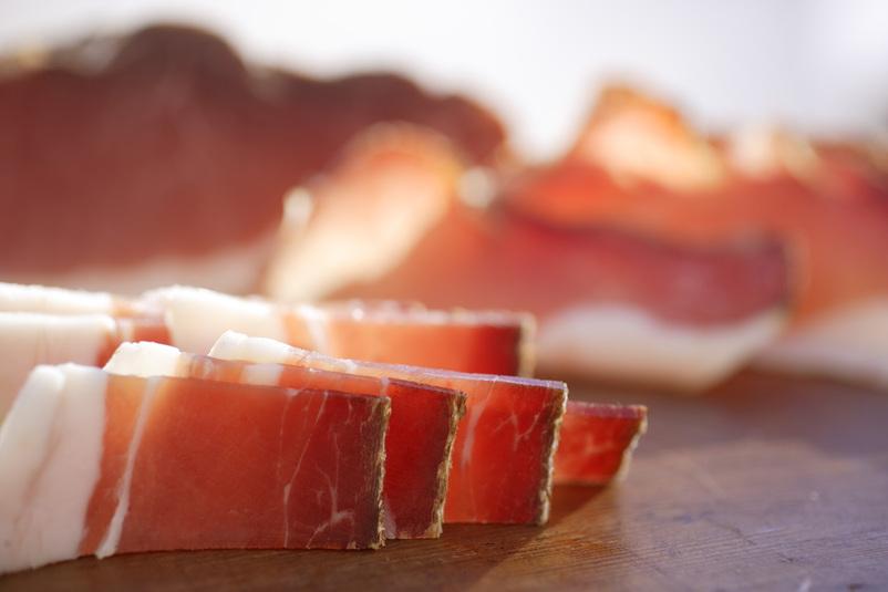 シュペック・アルト・アディジェのデリケートな燻製香と熟成感がたまらない!
