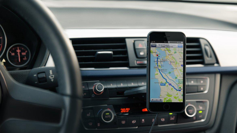 iPhone ワイヤレス充電器でドライブが劇的に快適! - XVIDA