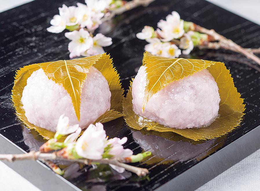 天王寺のお土産に、おやつに、桜の和菓子はいかがでしょうか?