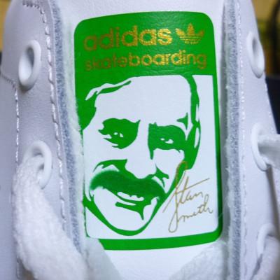 アディダスの靴でよく見る、このおじさんは誰?