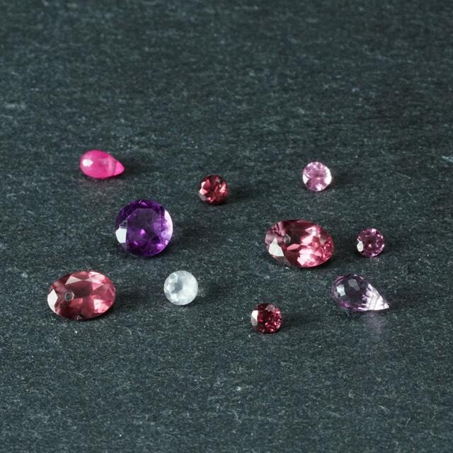 キュンとする輝きに一目惚れ。「ピンク&パープル系カケラ宝石」のご紹介