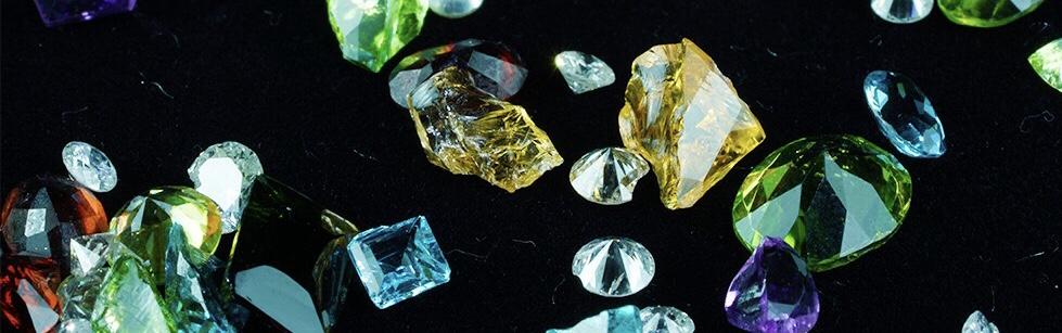 本物の「宝石」を再利用?イエローグリーン系宝石をご紹介