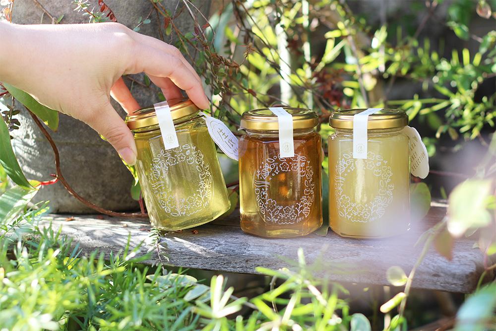 「老舗養蜂場」と「暮らしを彩るデザイン事務所」が贈るすてきなハチミツギフト