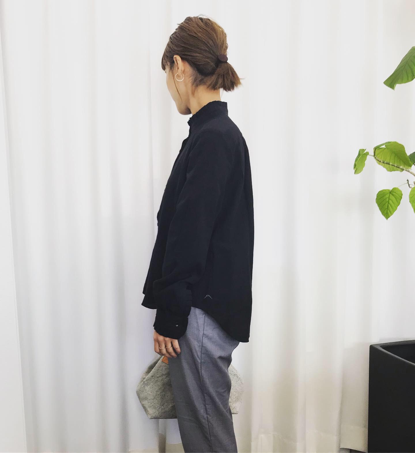 ウネ織ストライプ生地 フリルシャツ・ギャザースカート