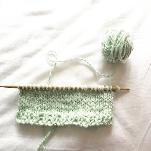 そろそろ編み始めないと、秋が来ちゃうよ!