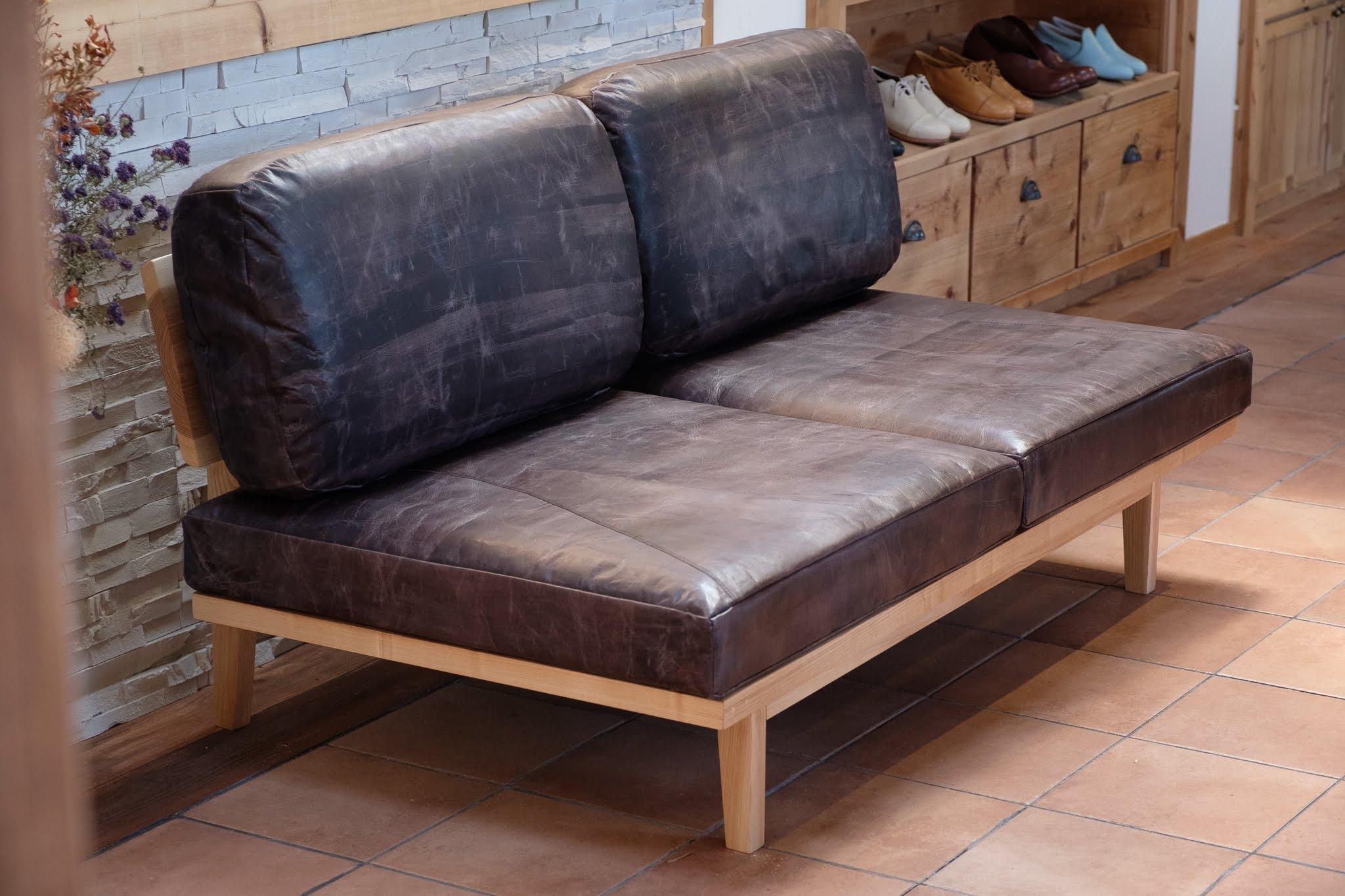 家具も製作いたします。