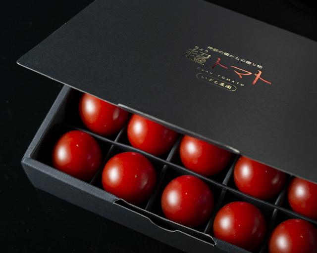 【超トマト】贈答箱が新しくなりました。
