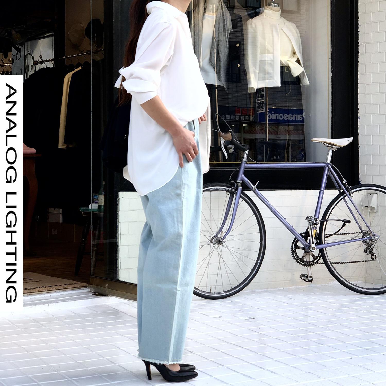 ー 大人の方が似合うもの 白いシャツ ー