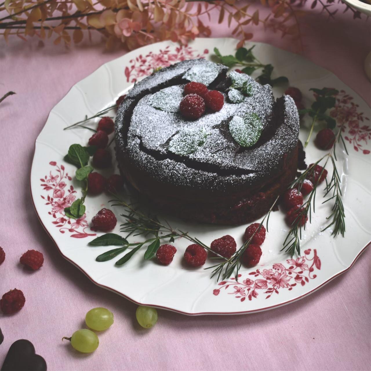 優しい雰囲気のビレロイボッホで愛らしいガトーショコラのクリスマス
