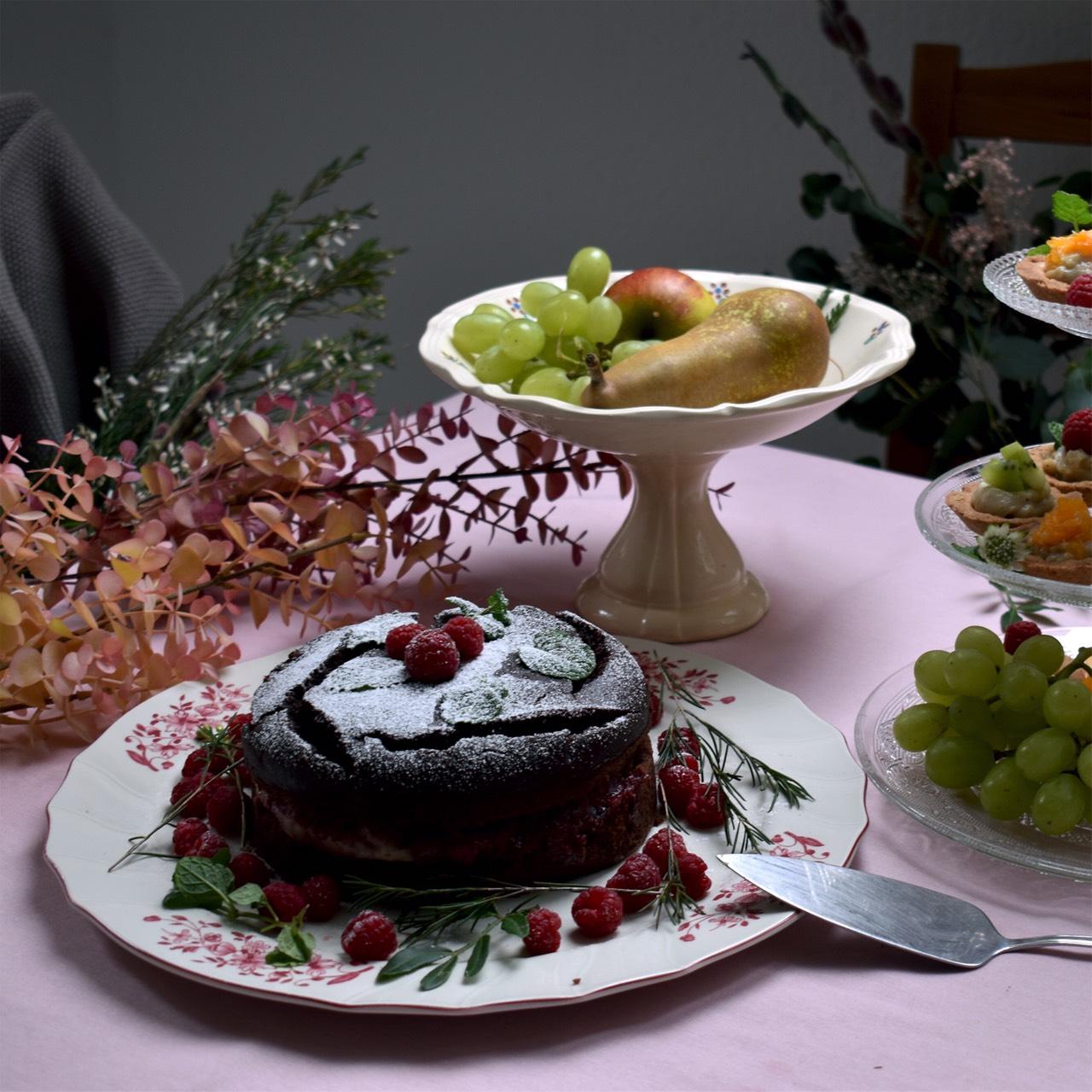 恋するヴィンテージ食器で愛らしい食卓、バレンタイン