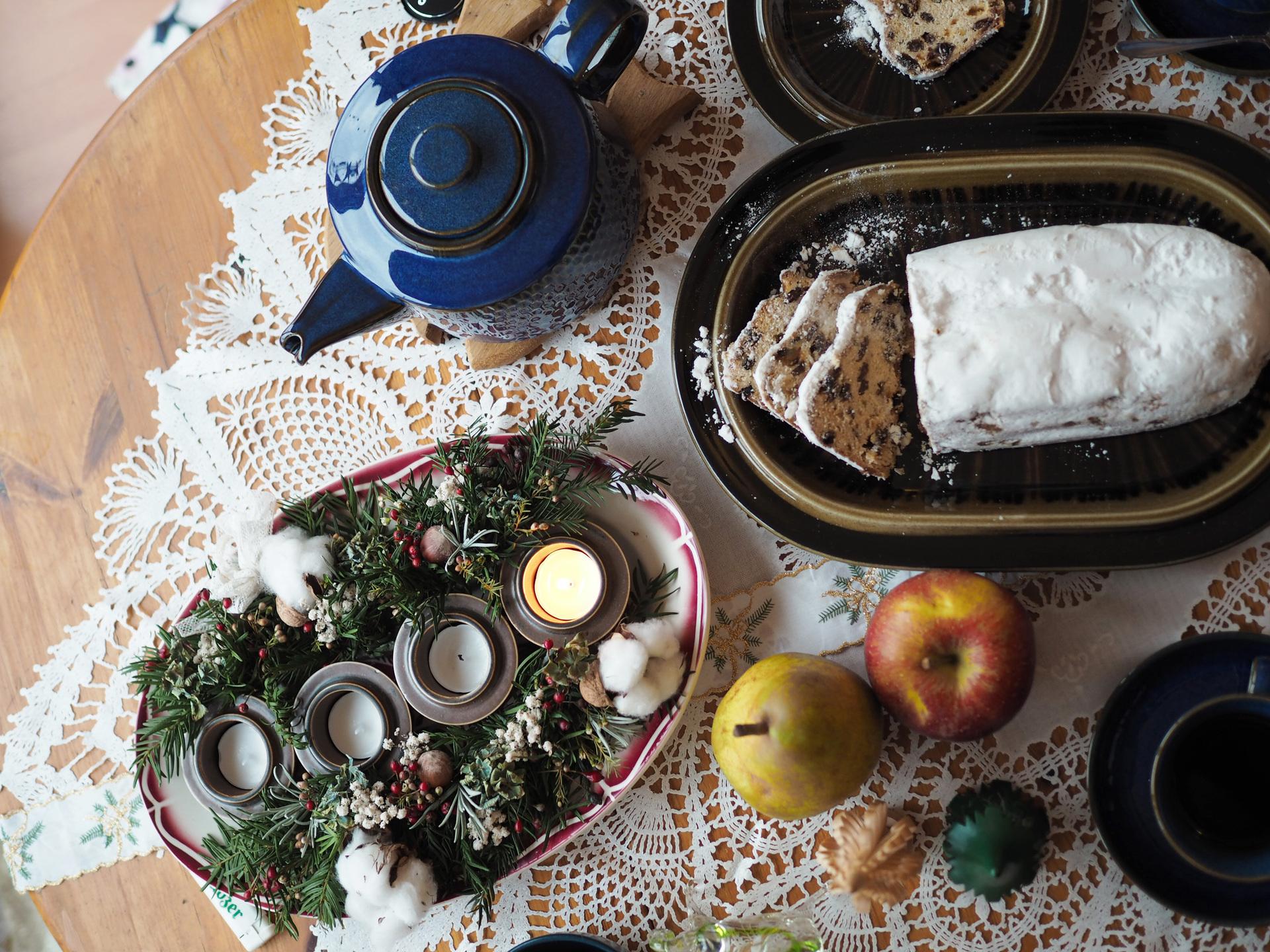 ヴィンテージブルーと冬のテーブルコーディネート