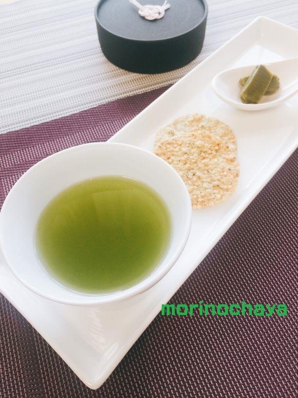 新茶と塩せんべいと抹茶キャラメル