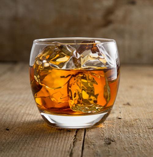 自宅で簡単にしかもおいしい琥珀色の「樽熟成酒」が出来ちゃいます!