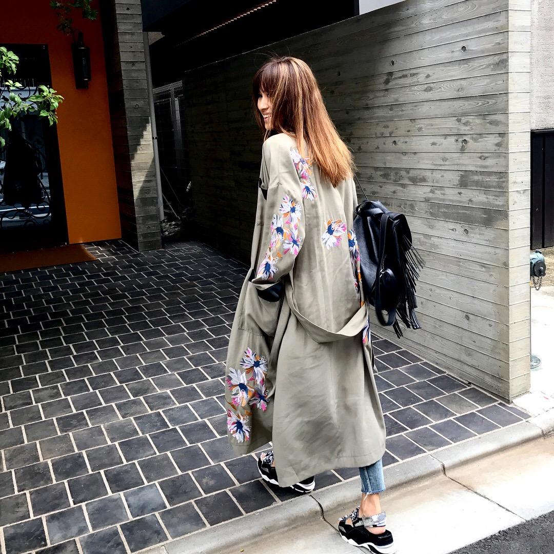 フラワー刺繍のバスローブ風ガウン☆刺繍が所々に入っててとても可愛いです^_^;