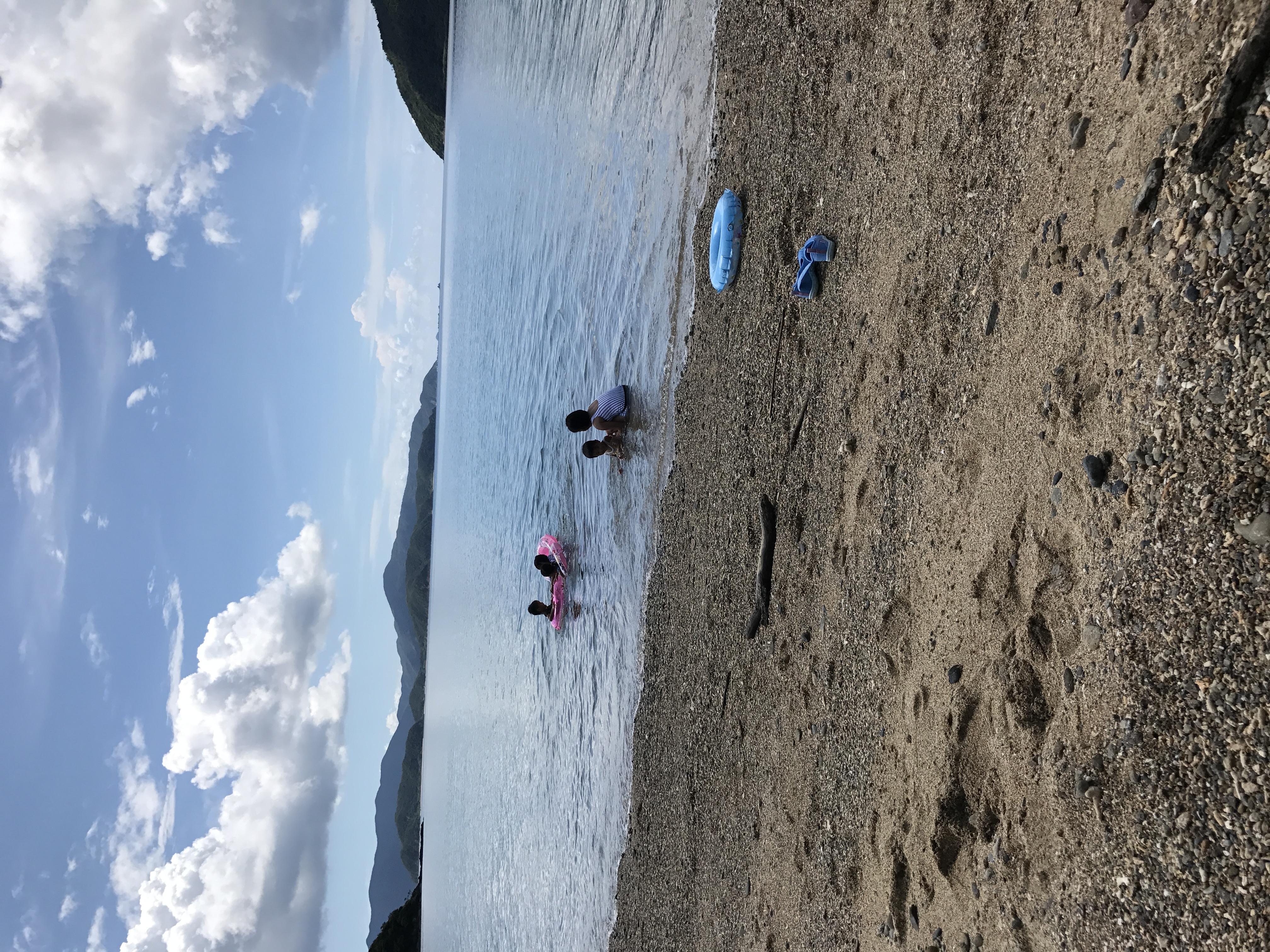 夏休み最後の日曜日。海で泳いでBBQにスイカ割り!