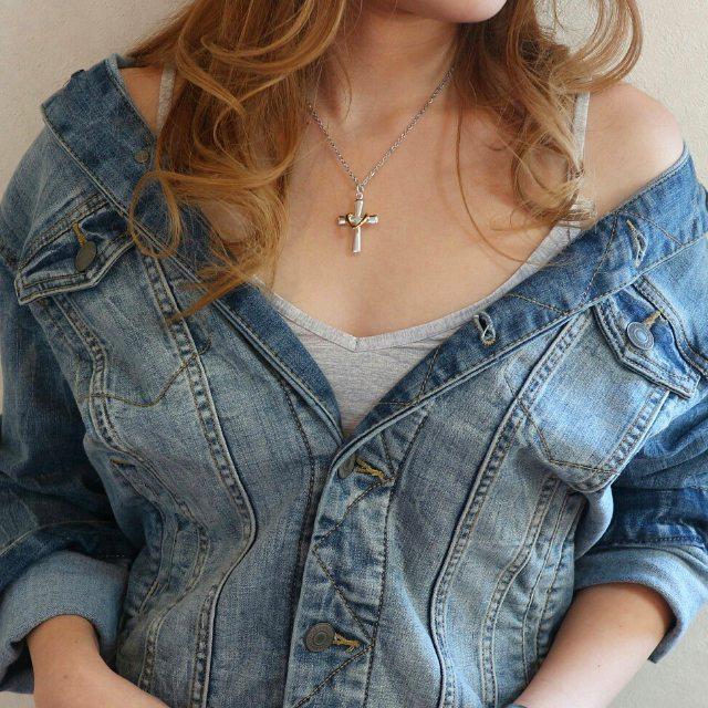 ♡クロスinハートネックレス♡女性らしさを演出してくれる最強アイテム♬