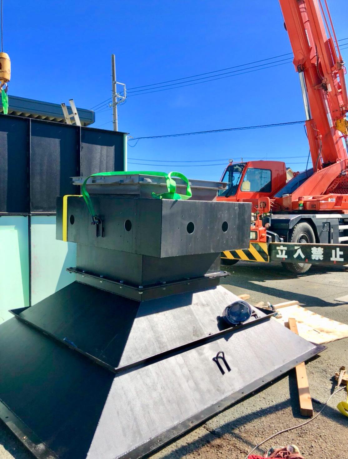 8月22日愛知県豊橋市の芳賀土建の事務所に防災シェルターの地下設置工事が完了しました。