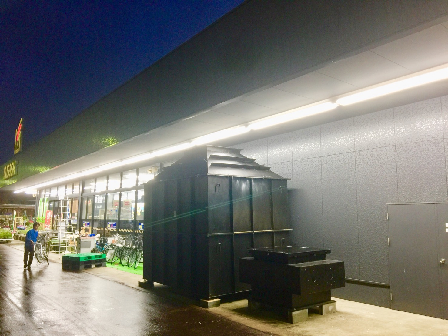 山形県のホームセンタームサシ長井店で日本初、ホームセンターでのシェルター販売がスタート!