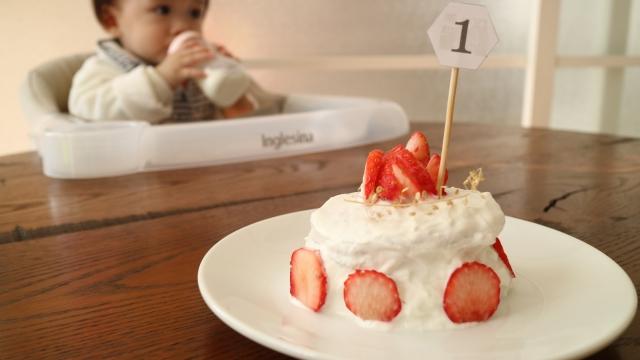 スマッシュケーキ🐮ヨーグルトで赤ちゃんへお祝いケーキを作ろう!
