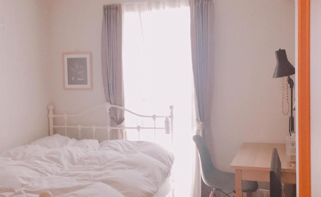 柔らかな雰囲気のナチュラルな寝室   インテリア事例
