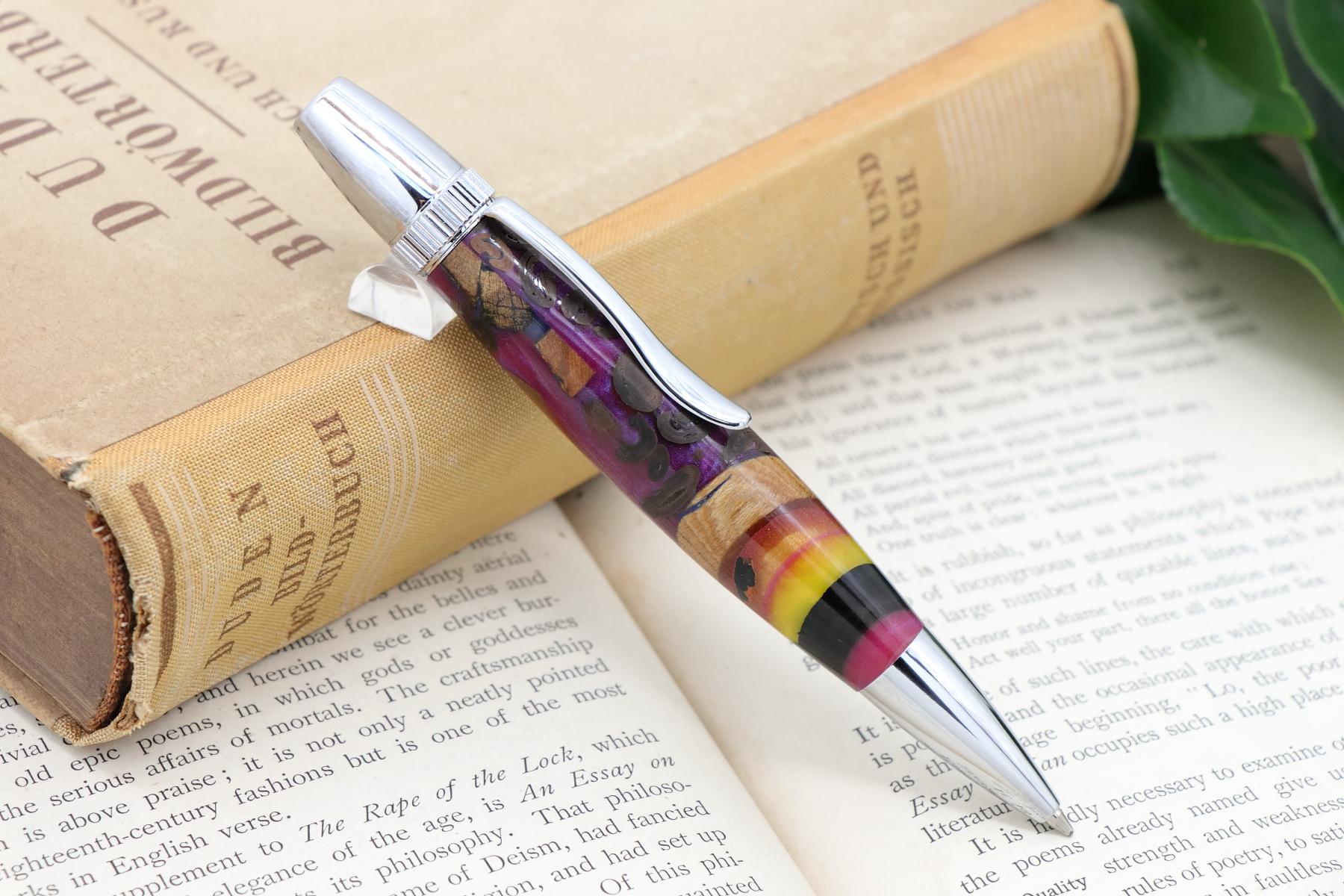 カテドラル生地の新作ボールペンを追加致しました。在庫ありにて販売中です。