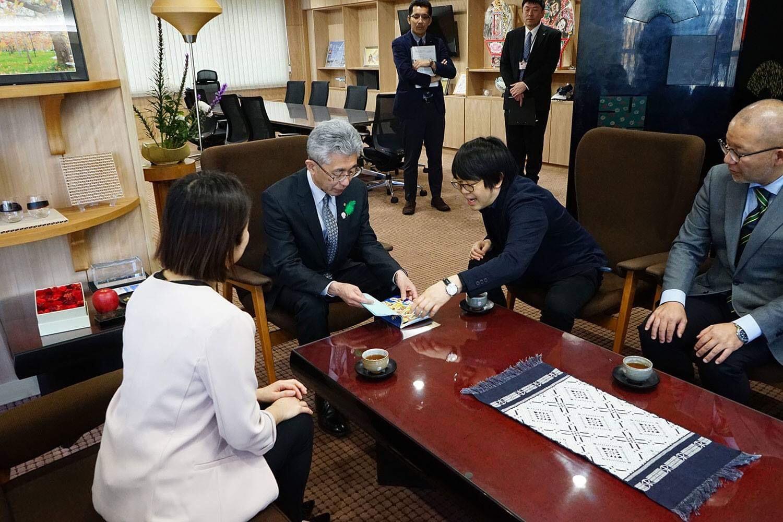弘前市長に発刊報告、表敬訪問へ