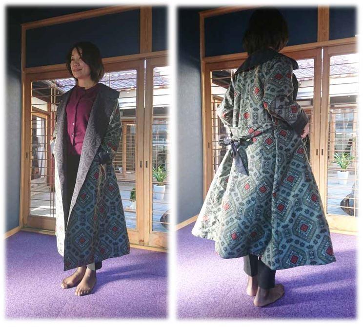大島紬リバーシブルコートの着装画像